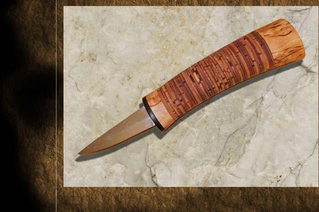Schnitzmesser mit Griff aus Birkenscheiben